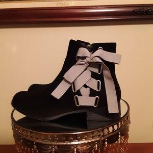 Olivia Miller Black Boots SZ 7 1/2